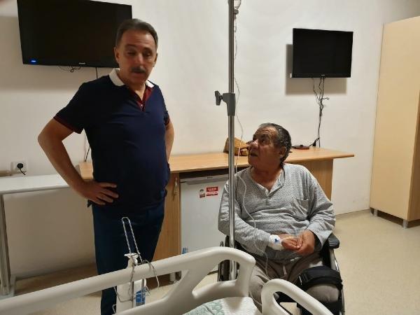 Vali Toprak gece yarısı hastane denetimine çıktı