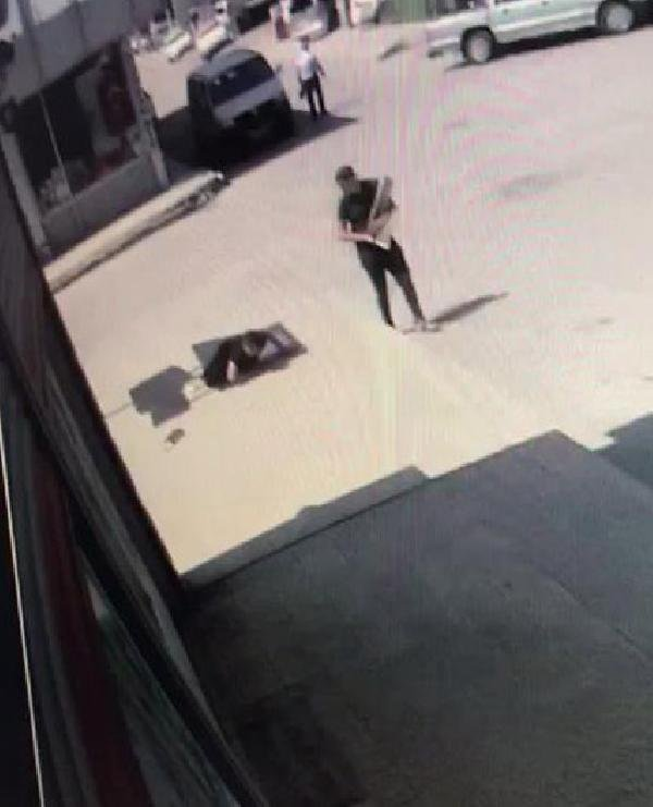 Konya'da kaldırımda yürüyen kişi havalandırma menfezine düştü!
