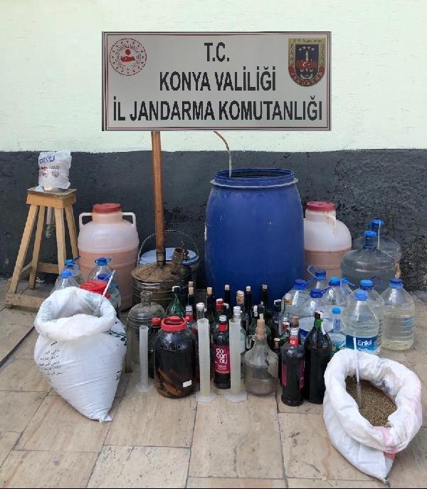 Konya'da ardiyeyi sahte sahte içki imalathanesine çevirmiş