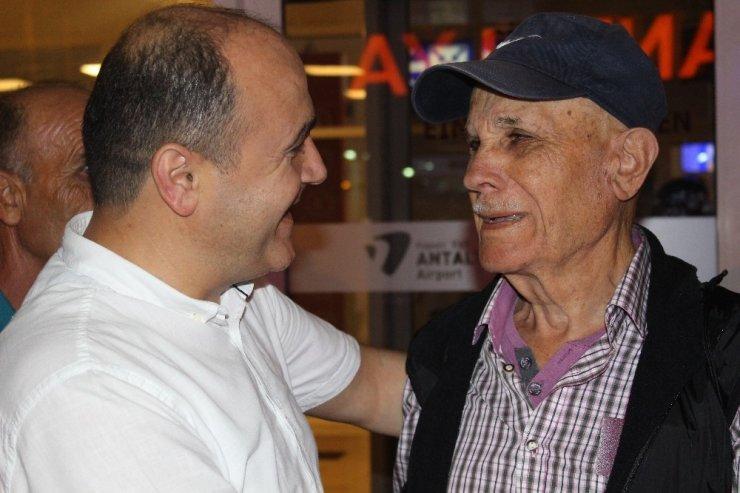 Baba ile oğlun 30 yıl sonra film gibi buluşması