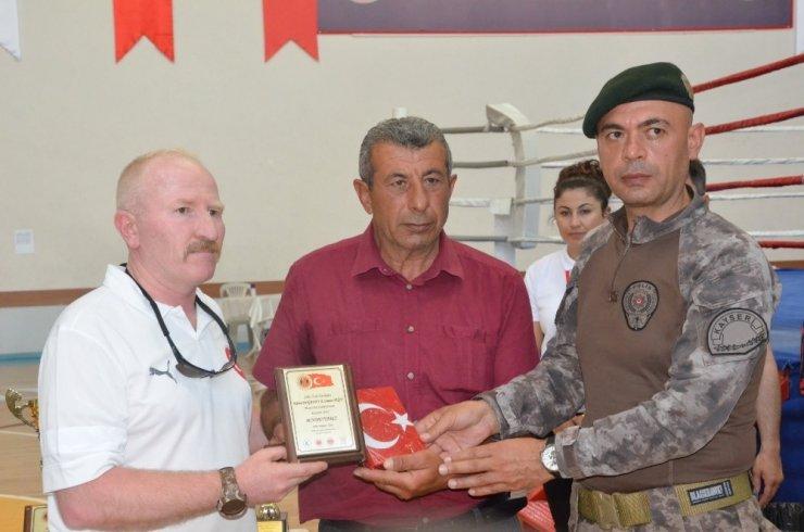 Şehit Özel Harekat Polisi Kübra Doğanay ve Cennet Yiğit Muaythai şampiyonası başladı