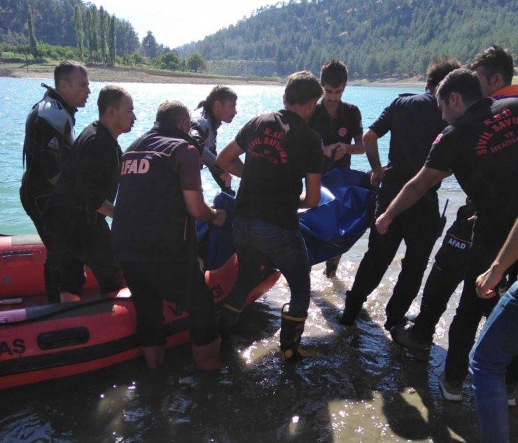 Serinlemek için baraj göletine giren genç boğuldu