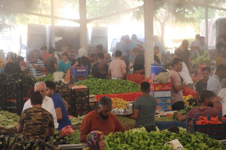 Şanlıurfa'da semt pazarlarında püskürtmeli serinlik