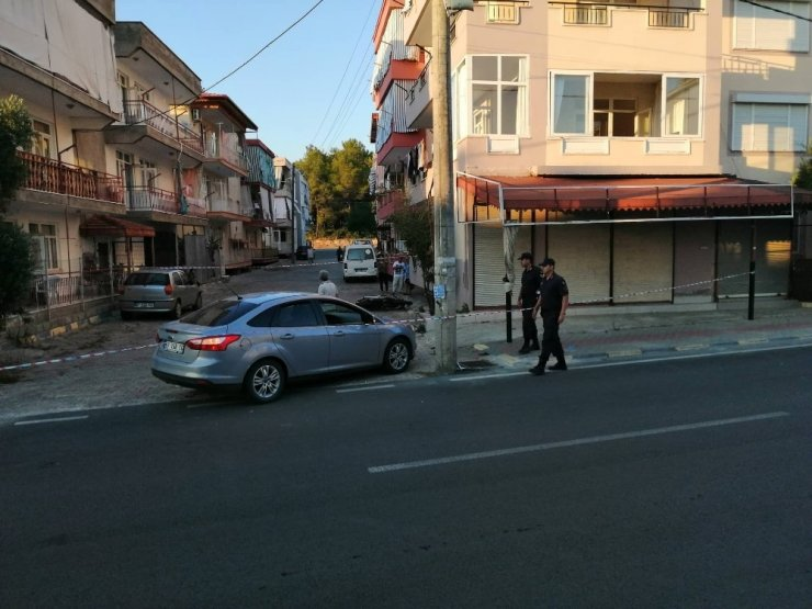 Manavgat'ta otomobil ile motosiklet çarpıştı: 1'i ağır 2 yaralı