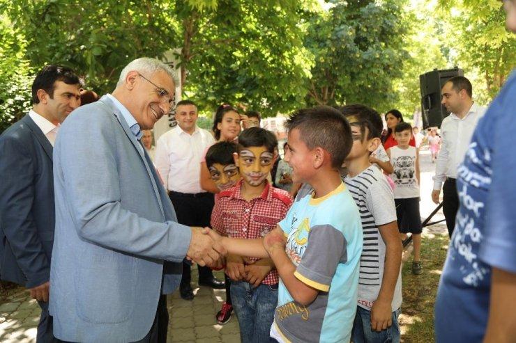 Başkan Güder çocuklarla bir araya geldi