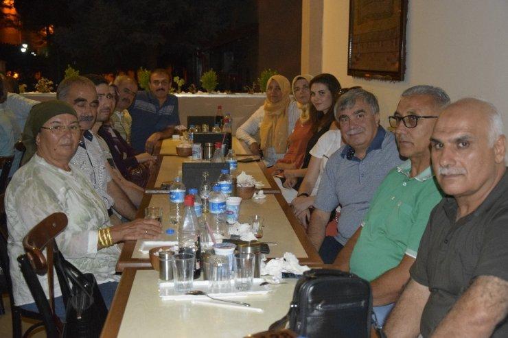 Burdur'da 40 öğretmen 33 yıl sonra bir araya geldi