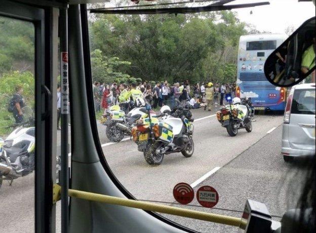 Hong Kong'da trafik kazası: 77 yaralı
