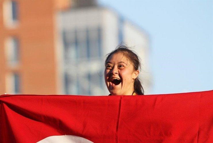 Cumhurbaşkanı Erdoğan'dan down sendromlu milli sporculara tebrik