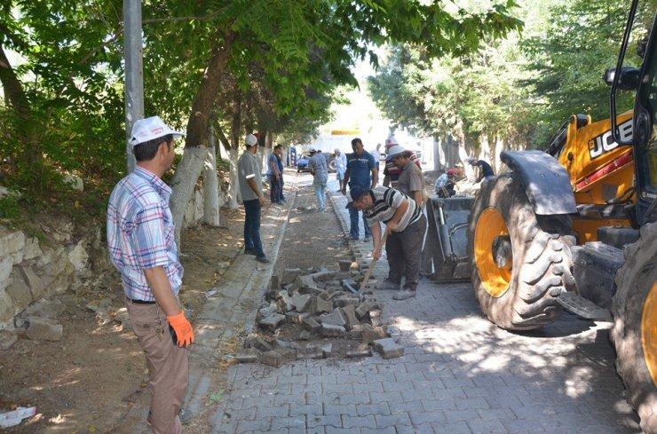 Emet'te cadde ve kaldırım düzenleme çalışmaları