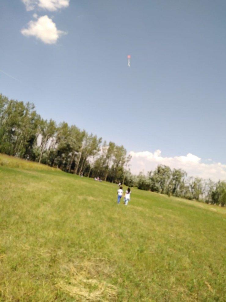 Yüksekova'da uçurtma şenliği