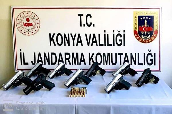 Konya'da otomobilinde 9 tabanca ile yakalandı