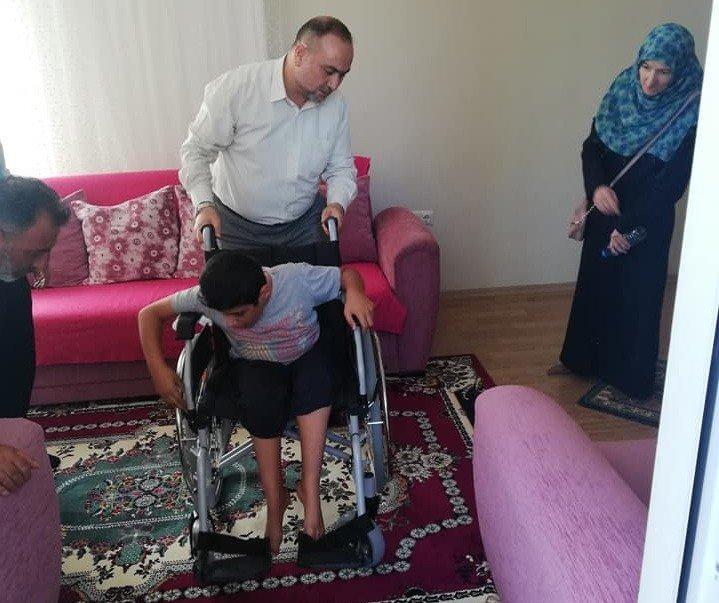 Müftülükten engelliye tekerlekli sandalye