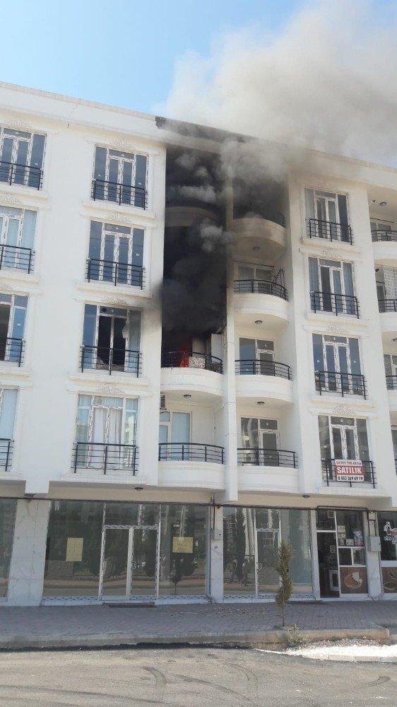 Patlayan klima motoru yangınına neden oldu