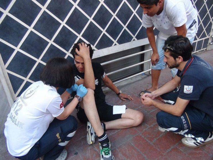 İstiklal Caddesi'nde iki Afganlı, İranlı şahsı darp etti