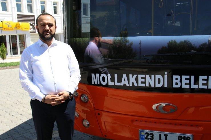 Halk otobüsü şoförü gecikince belediye başkanı direksiyon başına geçti