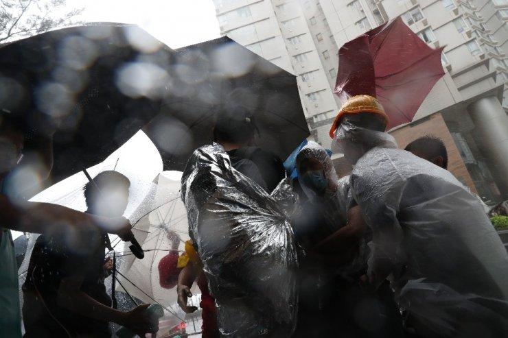 Hong Kong'da 44 protestocu hakim karşısında