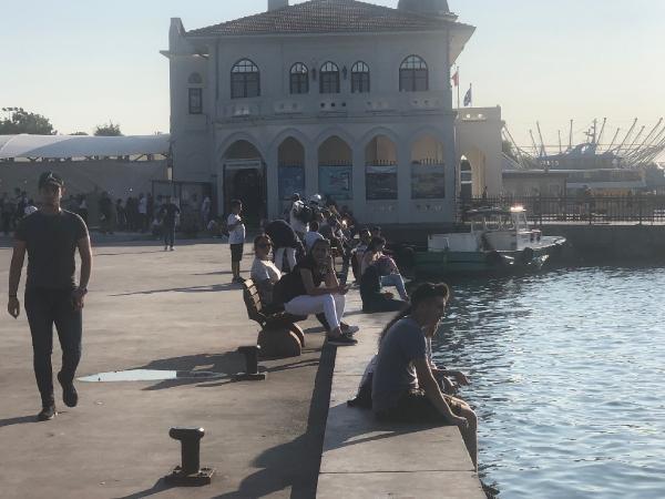 İddialaşarak denize atlayan iki kadın boğulmaktan son anda kurtarıldı