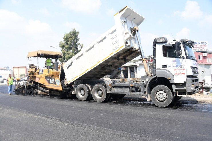 Tarsus Kemalpaşa Sanayi Sitesi'nin 2 yıllık asfalt sorun çözülüyor