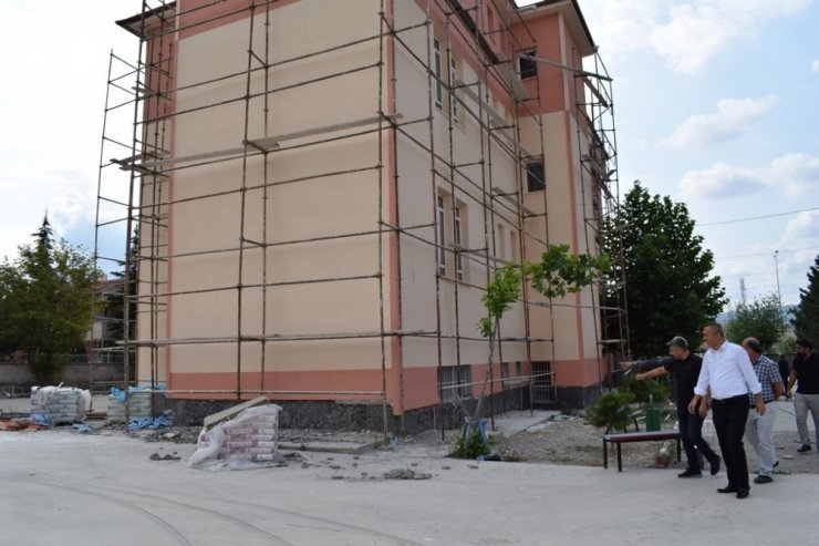 Sungurlu'da okullar bakıma alındı