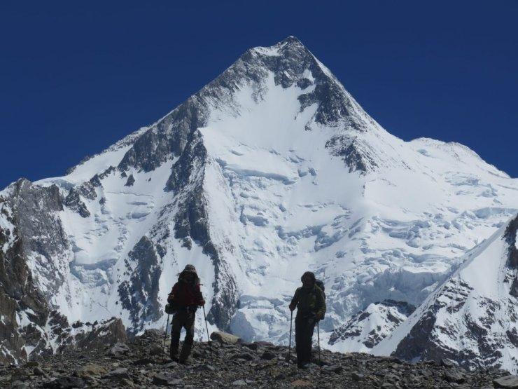 Türk Dağcılar 8058 metrelik Gasherbrum 1 Dağı'nın Zirvesi'nde bayrağımızı dalgalandırdı