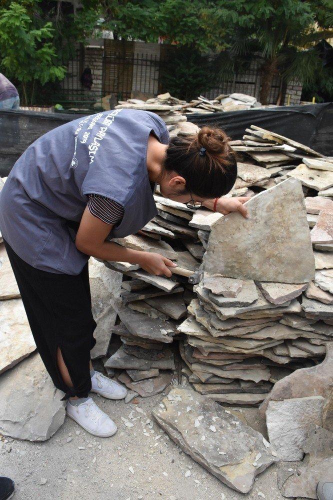 Mimarlık öğrencileri TİKA tarafından restore edilen eserleri inceledi