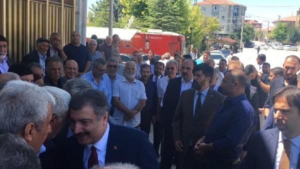 Bakan Koca Konya'da yengesinin cenazesine katıldı