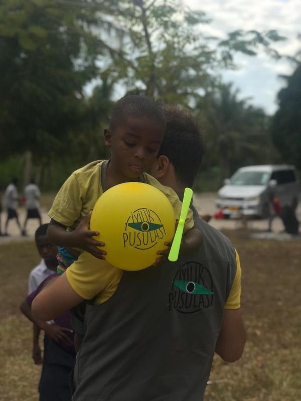Konyalı yardımsever 4 arkadaş Tanzanya'da çeşme yaptırdılar