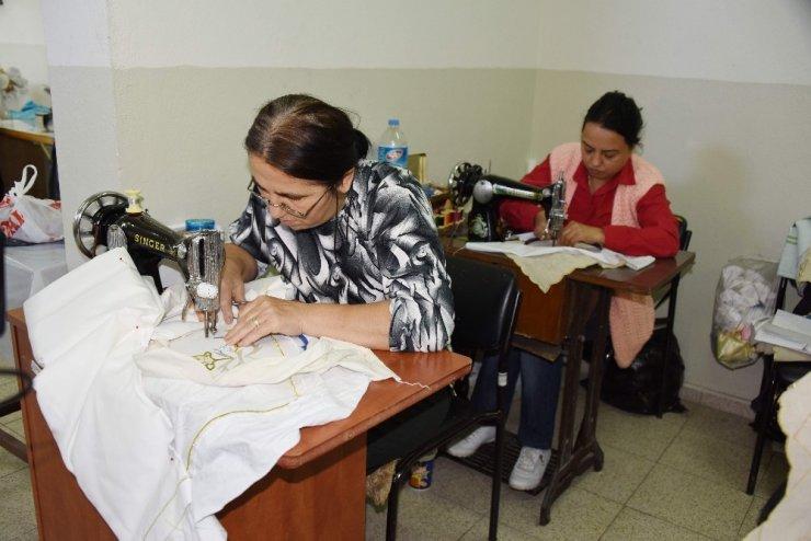 Aliağa Tüpraş Halk Eğitim Merkezi meslek kazandırmaya devam ediyor
