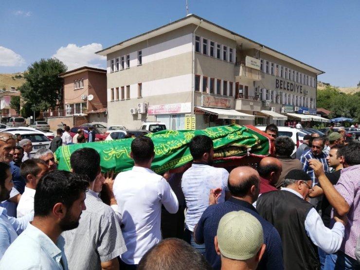 Kazada hayatını kaybeden öğretim görevlisi, son yolculuğuna uğurlandı