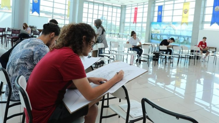 Trakya Üniversitesi geleceğin sanatçılarını belirliyor