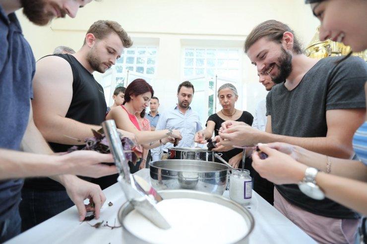 """""""Şerbet-i Fünun"""" projesiyle Trakya Üniversitesi öğrencilerinden şerbet hazırlığı"""