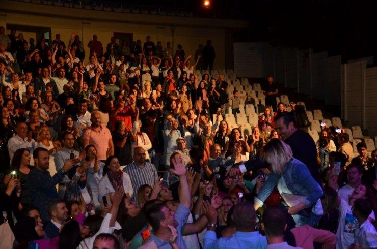 Ferhat Göçer Kırkpınar Sanat Akşamları'nda sahne aldı