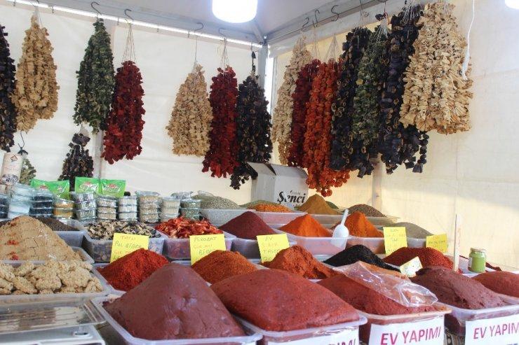 Gaziantep'in meşhur lezzetleri Beylikdüzü'nde görücüye çıktı