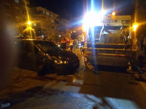 Otomobil ile çöp kamyonu arasında sıkışan işçi öldü