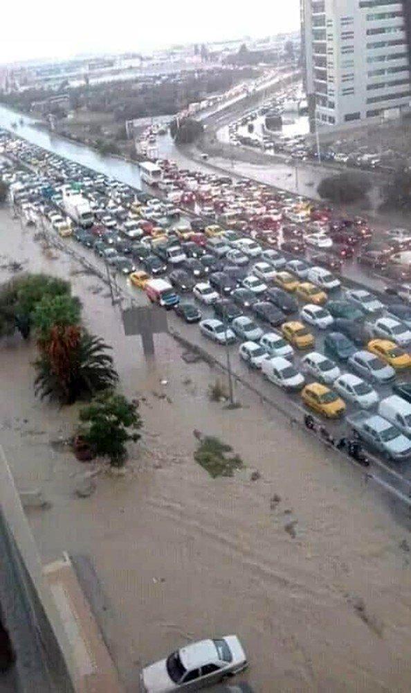 Tunus'ta sel felaketi: 2 ölü