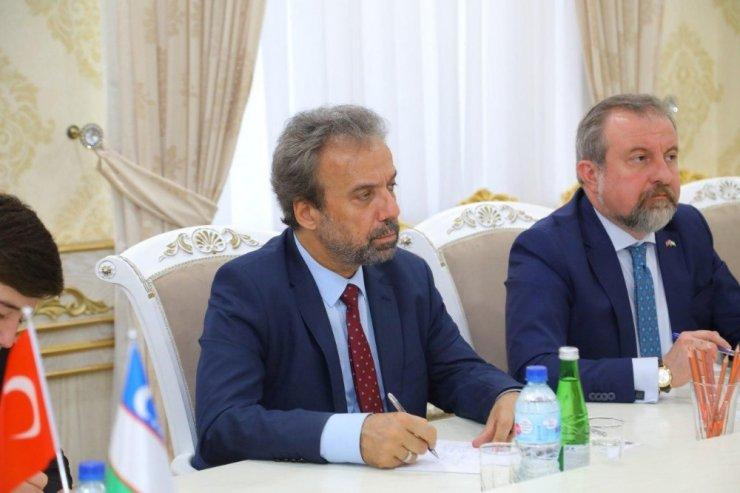 Türkiye'nin Taşkent Büyükelçisi Er'den Namangan Valisi'ne ziyaret