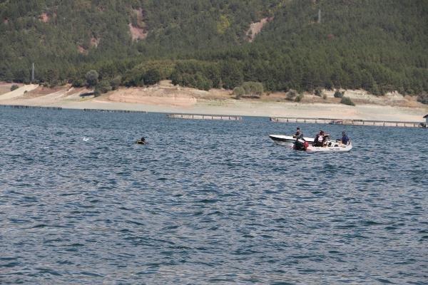 Afgan genç, baraj gölünde kayboldu