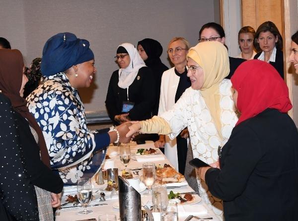 Emine Erdoğan, ABD'li Müslüman toplumun kadın temsilcileriyle buluştu