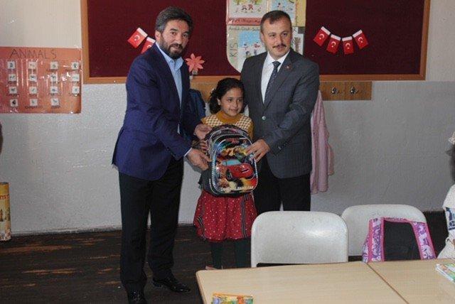 Eğitim Bir Sen'den köy okuluna yardım