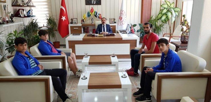Kırşehirli boksörlerden İl Müdürü Yıldız'a ziyaret