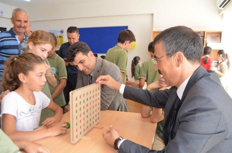 """Kıyıkışlacık İlk ve Ortaokulu'nda """"Akıl Oyunları Sınıfı ve Resim Atölyesi"""" açıldı"""