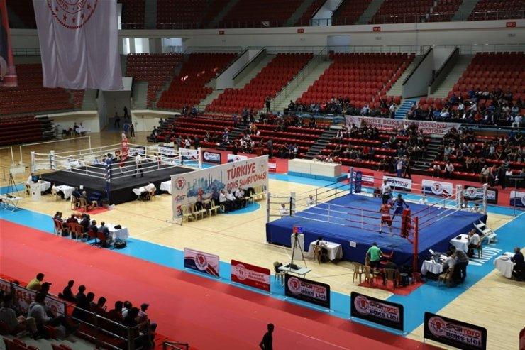Gruplar Türkiye Boks Şampiyonası Konya'da başladı