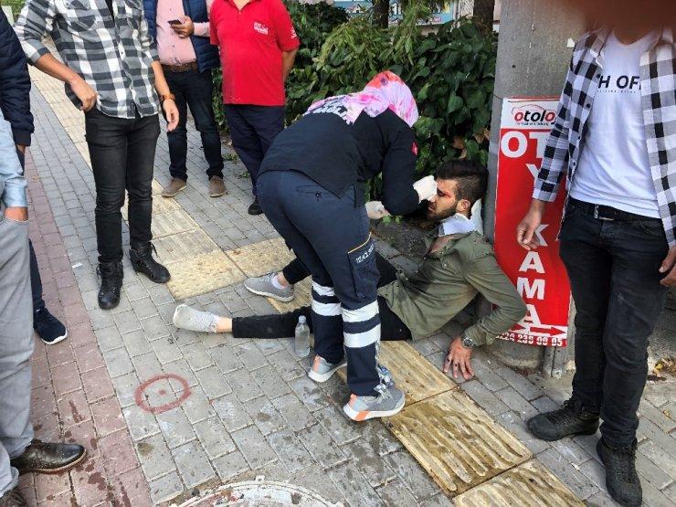 Bursa'da can pazarı.. Temizlikçiler yola savruldu, sürücü sıkıştı