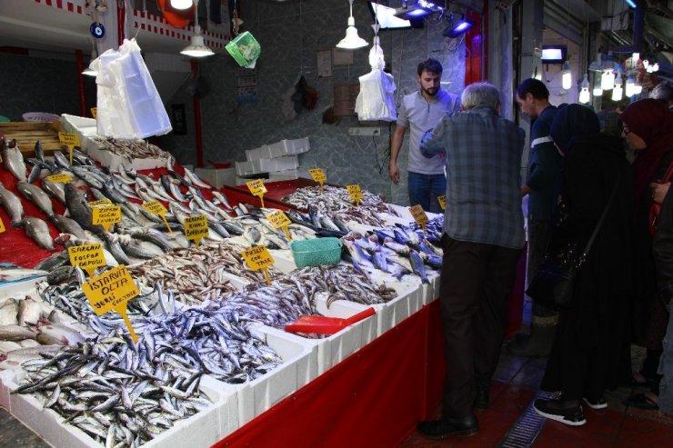 Balık miktarı azaldı, fiyatlar arttı