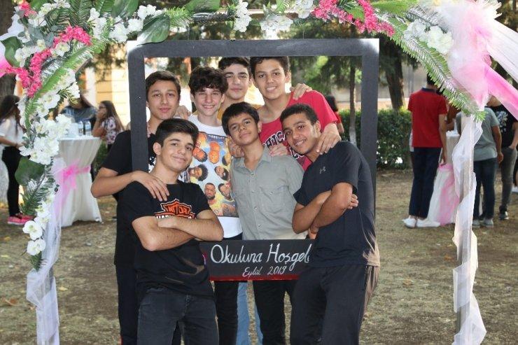 GKV Liseleri öğrencileri, 'okuluna hoş geldin gecesinde' buluştu