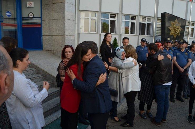 Emniyet Müdürü Çevik yeni görevine atma türkü ile uğurlandı