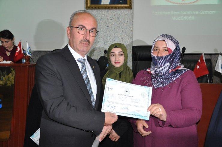 Kadın çiftçilere sertifikaları düzenlenen tören ile takdim edildi