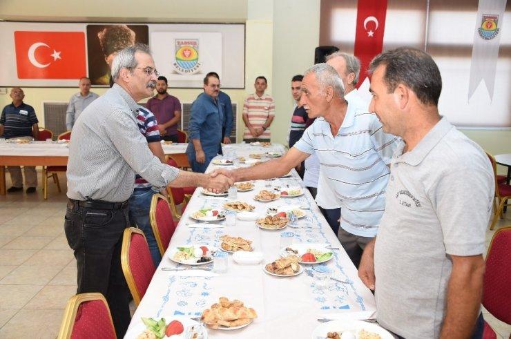 Başkan Bozdoğan, apartman görevlileriyle bir araya geldi