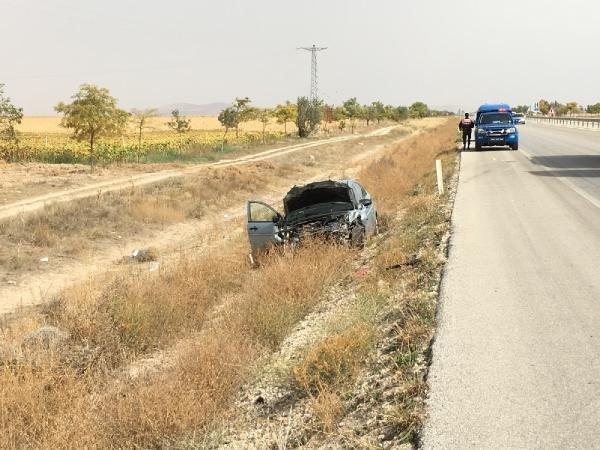 Konya'da otomobil, traktöre çarptı: 1 ölü, 3 yaralı