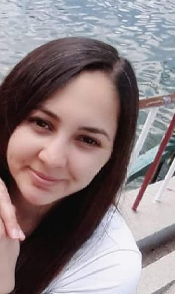 Konya'da genç kız ailesinin gözü önünde balkondan atlayarak intihar etti!